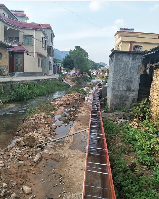 司前镇河道清理整顿。